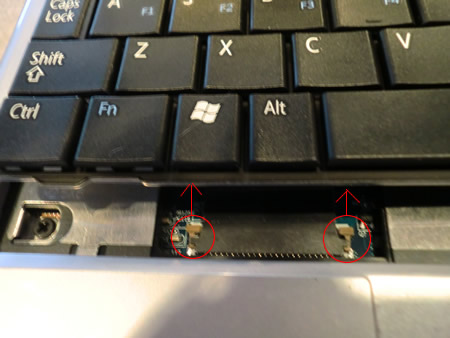 Dell Mini 9 Keyboard Latch Removal